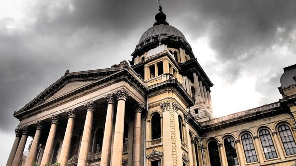 Illinois considering online gambling bill